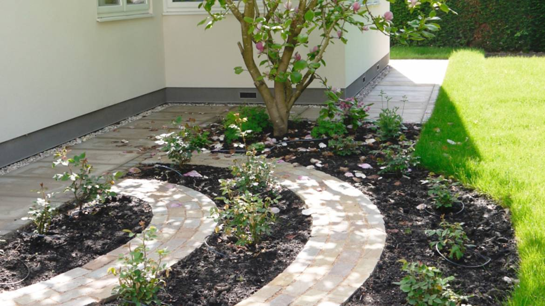Quaint Garden Area